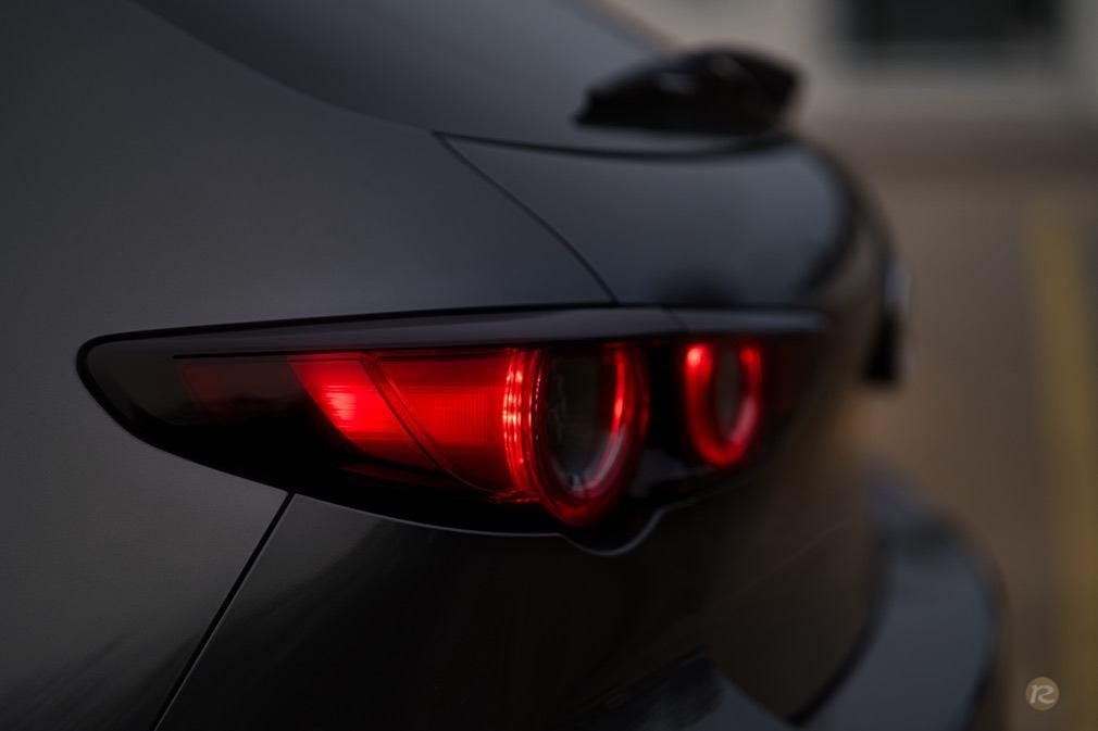 matzda3-back-taillight-hatchback-wallpaper