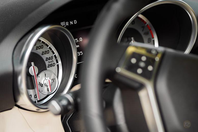 mercedes-cabrio-slk-detail-interior