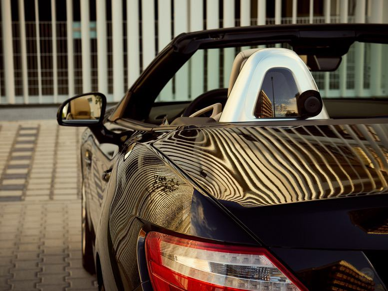 mercedes-slk-stripes-reflections