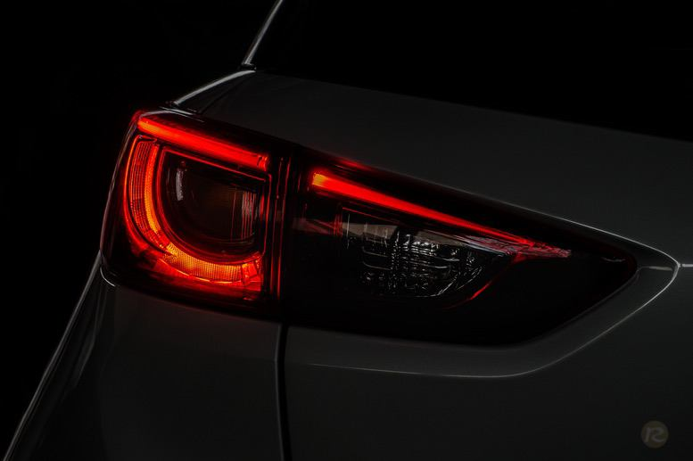 mazda-cx3-back-taillight-hatchback-wallpaper