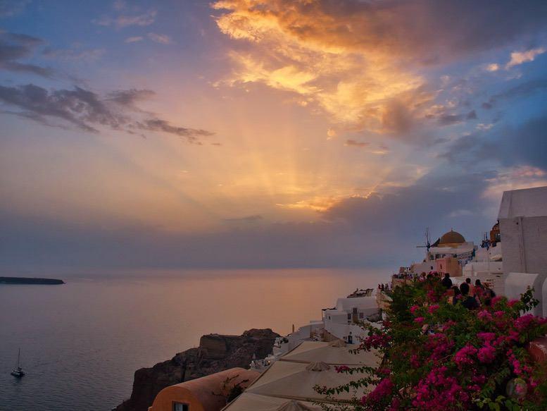 Sunset in Oia, Santorini – by René Sputh